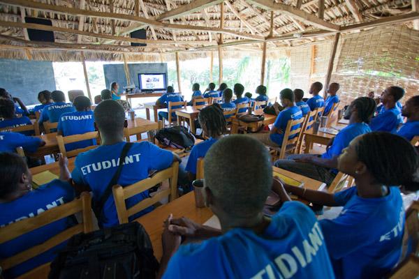 Haiti_cine_2011_00023